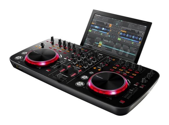 Pioneer DDJ-Ergo. Incluye Traktor LE (Ergo K) o Virtual DJ LE (Ergo V)